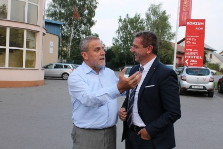 """Milan Bandić: """"Gospićanima i Ličanima  obećavam duplo bolji život"""""""