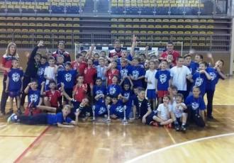 Gospićkim rukometašima čak 5 trofeja s turnira u Opatiji