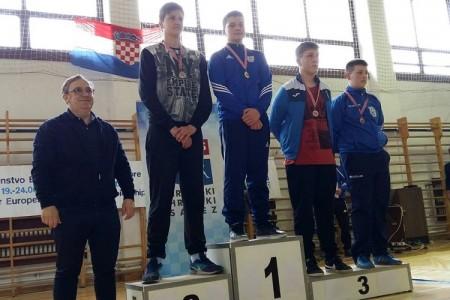 Još jedan gospićki hrvač treći u Hrvatskoj