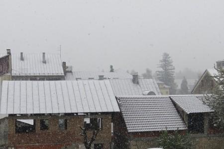 Kasni snijeg zabijelio Gospić