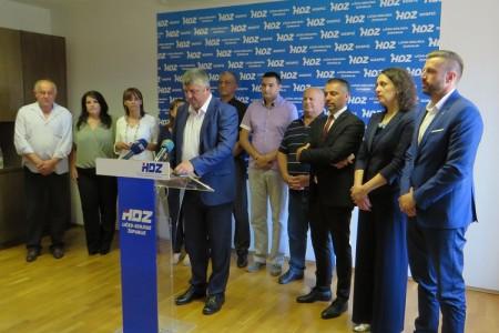 """Utjeha iz gospićkog HDZ-a: """"dug grada je 7,a ne 11 milijuna kuna""""!!!"""