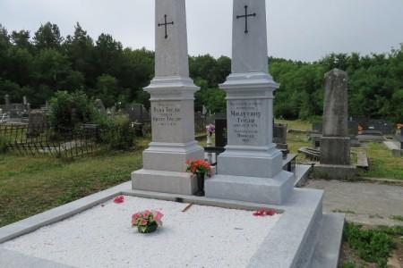 Šerbedžija,Ljuština i donatori pomogli obnovu nadgrobnih spomenika Teslinim roditeljima