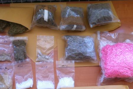 Dva Talijana proizvodili i prodavali drogu po Novalji!