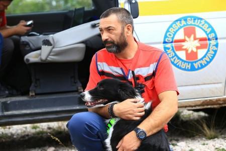 BRAVO: gospićki HGSS-ovac Mario Jelić dobio zahvalnicu za promicanje sustava civilne zaštite u prošloj godini
