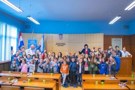 U sklopu Dječjeg tjedna gradonačelnik Karlo Starčević primio gospićke vrtićarce i osnovnoškolce