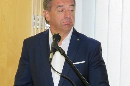 Mišljenje Povjerenstva:uz dužnost župana Milinović ne može uz naknadu raditi u Općoj bolnici Gospić!