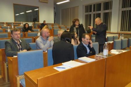 VIDEO: Gradonačelnik Karlo Starčević ekskluzivno za lika-express najavljuje sjednicu Vijeća na kojoj će se opet raspravljati o proračunu