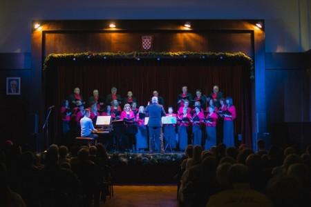 """Jubilarni Božićni koncert gradskog zbora """"Vila Velebita"""""""