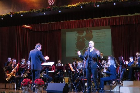 Puhački orkestar grada Gospića i Marko Škugor zadovoljili gospićku glazbenu publiku