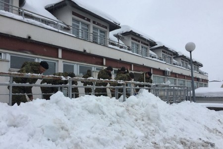 Hrvatska vojska opet oslobađa Liku! Ovoga puta od snijega!!!