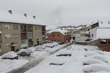 U Gospiću i Otočcu pola metra snijega, na Zavižanu skoro 2 metra!!!