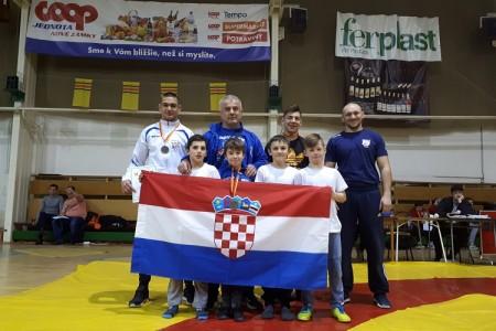 Odličan nastup hrvača na turniru u Slovačkoj