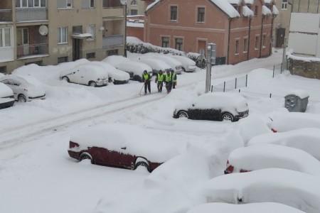 Jutros u 7 sati u Gospiću 61 centimetar snježnog pokrivača