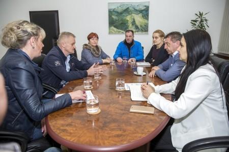 """Predstavnici braniteljske zadruge """"Zelena dolina"""" na prijemu kod župana Milinovića"""