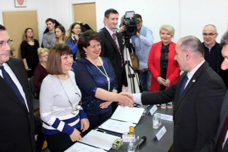 Ravnateljica gospićke bolnice Sandra Čubelić potpisala ugovor o nastavku sistematskih pregleda hrvatskih branitelja
