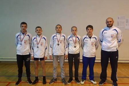 Hrvači Gospića iz Austrije se vratili s tri zlatne i dvije srebrne medalje!!!