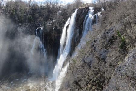 Fina u Nacionalnom parku Plitvička jezera pruža uslugu samoposlužne mjenjačnice 0-24