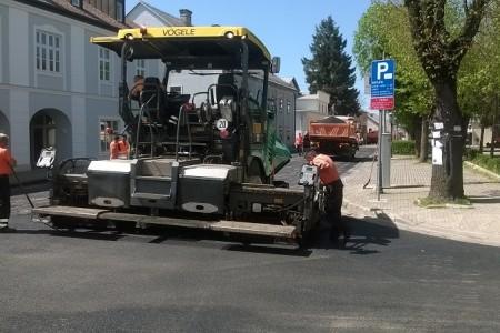 Završava se asfaltiranje ulica u centru Gospića