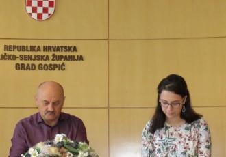 POHVALNO:Grad Gospić potpisao ugovore za  24 stipendije učenicima i studentima