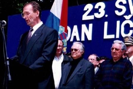 Povjerenstvo HDZ-a položilo vijence u spomen na Oca domovine dr.Antu Starčevića. Podsjećaju da je na današnji dan prije 20 godina otvoren Starčevićev spomen dom u rodnom mu Velikom Žitniku