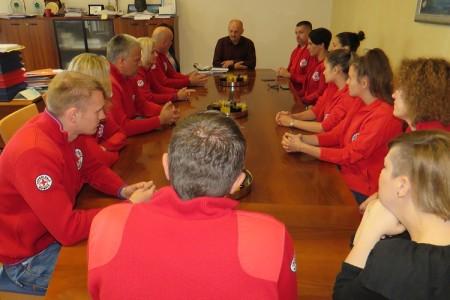 Najbolji nacionalni Interventni tim volontera Crvenog križa na prijemu kod gradonačelnika Karla Starčevića