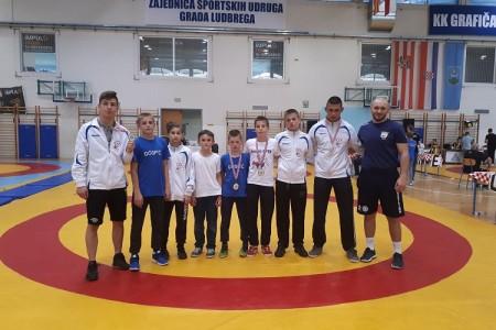Tri zlata i dvije bronce gospićkih hrvača na velikom međunarodnom turniru u Ludbregu!!!
