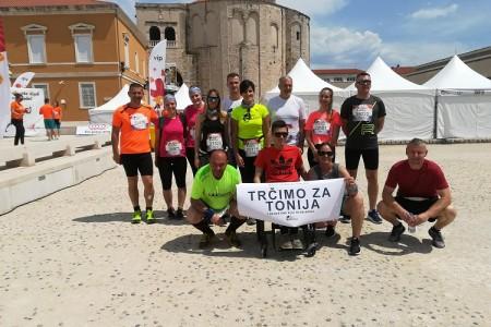 I Gospićani bili  na Wings for life u Zadru! Trčali su za Tonija! Marijan Butorac istrčao 25 kilometara!