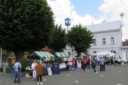 LIJEPE SLIKE: Učeničko zadrugarstvo, prekrasan spoj tradicije i modernog doba predstavljeno danas u Gospiću!!!