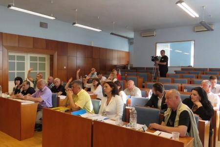 HDZ i koalicijski partneri odlučili da će se parking u Gospiću i dalje naplaćivati