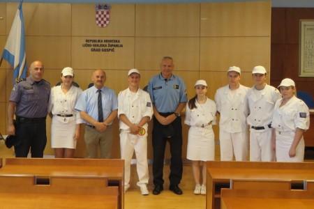 I ove godine u Gospiću će prometni red čuvati mladi policajci