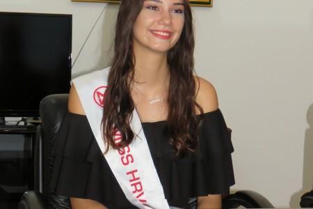 Miss Hrvatske, Senjanka  Tea Mlinarić  uskoro predaje kunu svojoj nasljednici