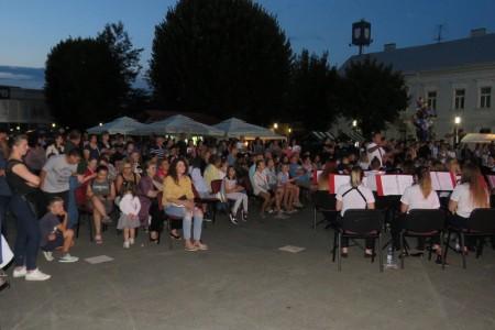 I mažoretkinje i puhački orkestar uveličali slavlje Dana grada Gospića!!!