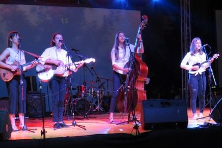 Prvi ženski tamburaški sastav oduševio gospićku publiku