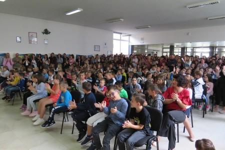 Važan dan: prvi dan školovanja i za gospićke prvašiće!!!