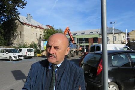 Iako je upravljanje gradom preuzeo prije 15 mjeseci, Karlu Starčeviću i dalje iz ormara ispadaju kosturi  bivše gradske vlasti