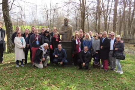 Iseljenici, druga generacija Hrvata iz cijeloga svijeta,  posjetili Gospić i Lovinac