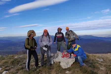 Volonteri markiraju velebitske planinarske staze