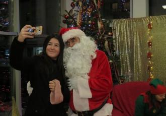 Dođite i danas od 16 sati u Trgovački centar u Gospiću na druženje s Djedom Božićnjakom kojega nam dovodi Studio FMI