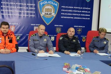 Ličko-senjska policija najavila akciju Mir i dobro, na konferenciji za novinare bio samo naš portal Lika-express!