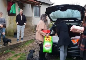 Mladež HDZ-a Gospića povodom svetoga Nikole darivala dvije obitelji