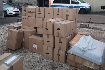 """Kod odmorišta Jadova policija """"uhvatila"""" više od 800 kilograma švercanog duhana"""