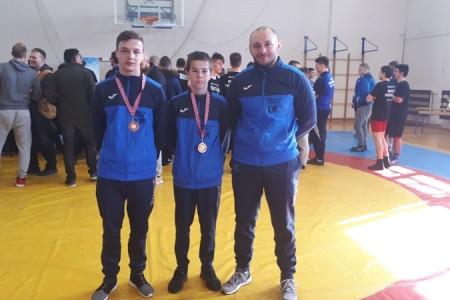 BRAVO: Frane Radošević kadetski prvak Hrvatske u svojoj kategoriji do 45 kg. Robert Petranović treći u kategoriji do 55 kg.