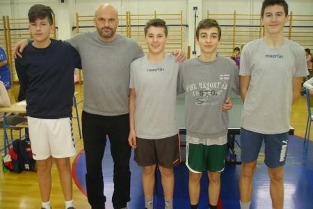 BRAVO: Gospićki osnovnoškolci i osnovnoškolke  iz Otočca plasirali se na državno prvenstvo u stolnom tenisu!!!