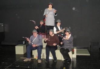 U utorak ne propustite predstavu koju će zajedno s profesionalcima izvesti gospićki glumački amateri!!!
