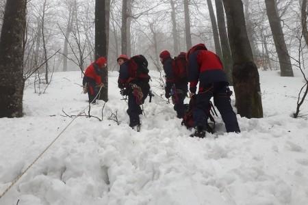 Uspješna zimska vježba gospićkih gorskih spašavatelja