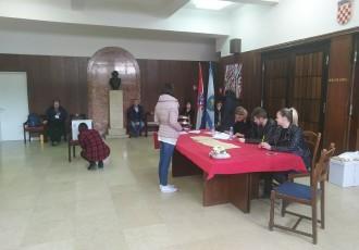 Izlaznost na izbore 40%, najbolja u Gospiću, najslabija u Donjem Lapcu!