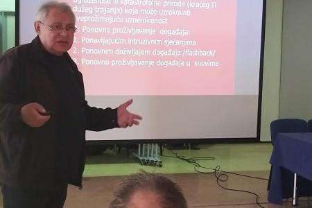 Dr.Marko Kraljević kaže da bi Gospiću i Lici trebala dnevna bolnica za bolje liječenje PTSP-a i ovisnosti od alkohola