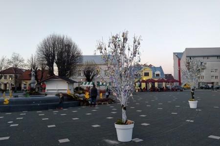 Uskrsni ugođaj na glavnom trgu u Gospiću