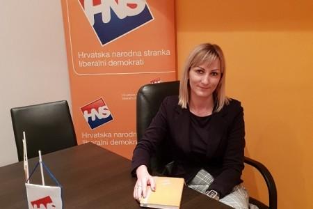 I dalje traje neizvjesnost u Hrvatskoj narodnoj stranci u Gospiću, Dea Grivičić podnijela ostavku na mjesto povjerenika