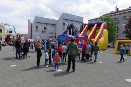 Velikom feštom za djecu i roditelje u Gospiću obilježen Dan obitelji